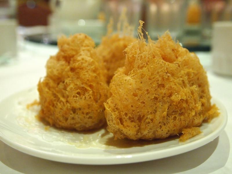 Wu gok (fried taro balls).